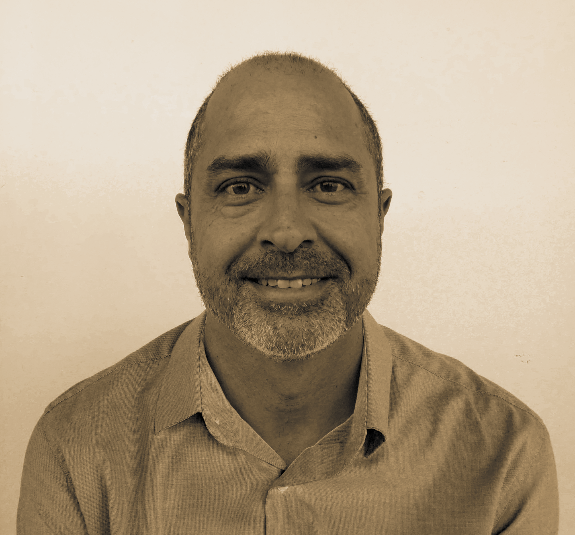 Francisco J Caro